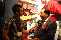 Mr. Xiao Wunan accepts an interview by Phoenix TV.